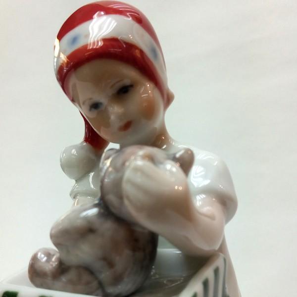 Elsa Vestito Bianco che apre regalo