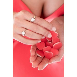 Anello regolabile con cuori rosè